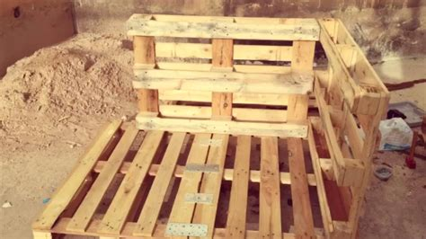 How To Make A Out Of Pallets by Breathtaking How To Build A Doghouse Out Of Pallets 15 With Additional House Interiors With How