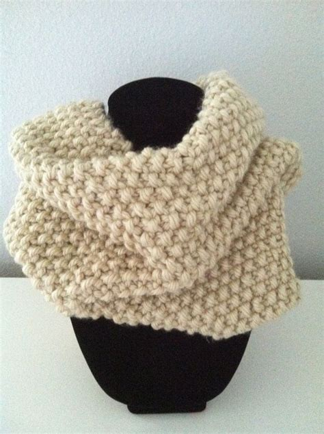 Tempat Pop Corn Stitch Pop Corn knitted infinity scarf cowl in popcorn stitch knitting stitches and