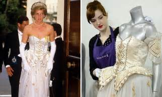 Dianas Dress Sells For 60000 by Princess Diana S Fairytale Dress Sells For 163 100k To