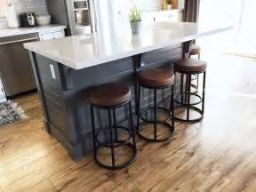 build a kitchen island with seating best 25 diy kitchen island ideas on build
