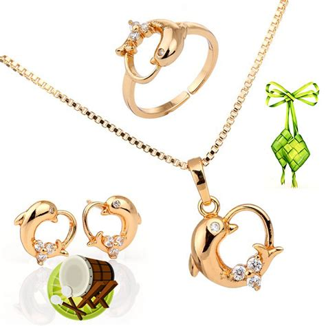 Satu Set Kalung Perhiasan Wanita Cewek Anting Liontin Stainless Impor satu set til lebih percaya diri di hari raya dengan satu set perhiasan emas logam