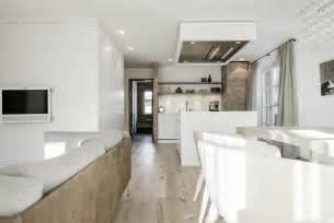 Modernes Wohnzimmer Braun Modernes Wohnzimmer Mit Offener K 252 Che Jpg 1 617 215 1 080