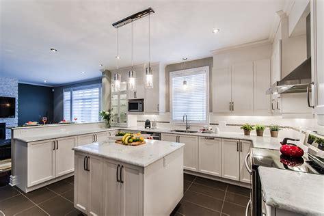 re lumineuse cuisine armoires de cuisine blanche ch 234 tre en bois laval montr 233 al