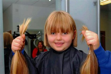 getting a haircut female styled three year old adriana smith gets first haircut for
