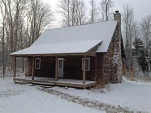 lazy cedars log cabin rental blaney park mi peninsula