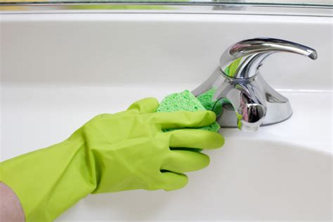 Cleaning The Kitchen Sink 10 Known Tips For Effective Bathroom Cleaning Kaodim