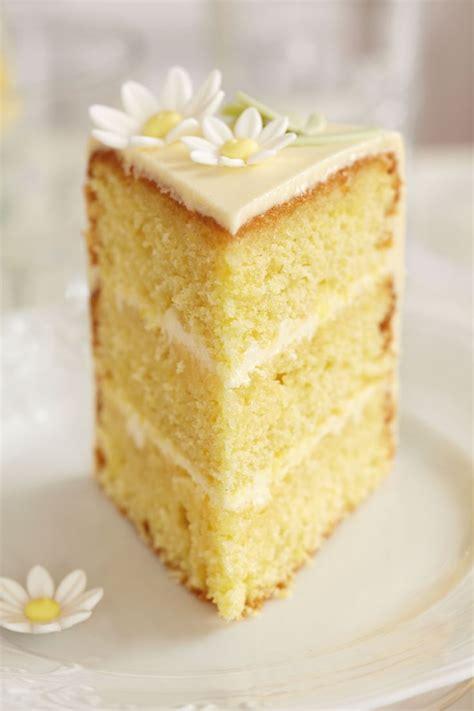 lemon limoncello cake in case anyone has any limoncello