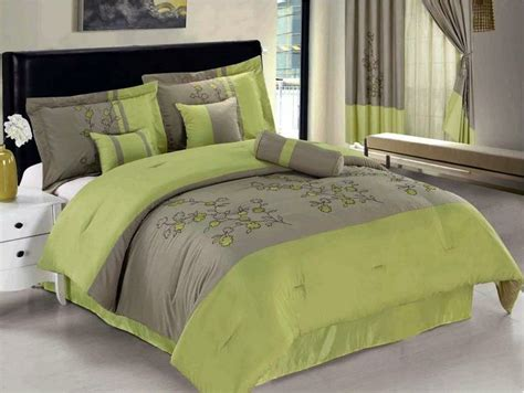 Set As Greeny 25 best ideas about lime green bedding on