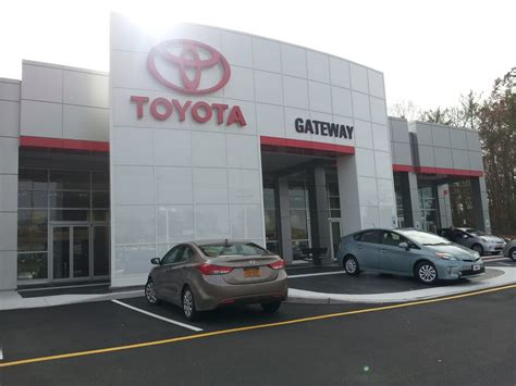 toyota dealer usa gateway toyota 28 photos 31 reviews dealerships