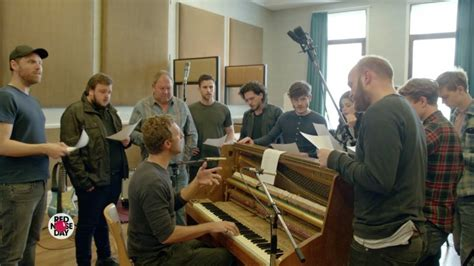 coldplay game of thrones musical coldplay and the game of thrones cast do game of thrones