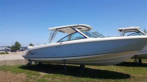 vantage boat loans 2017 boston whaler 320 vantage power boat for sale www