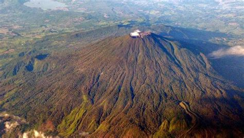 gunung ciremai jalur pendakian wisata  penduduknya