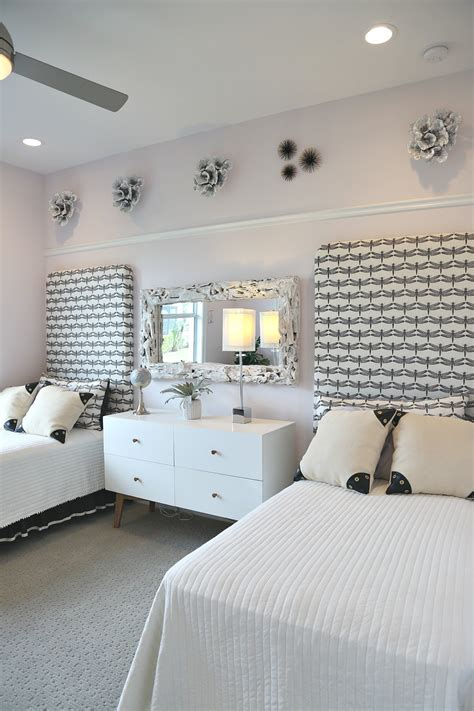 Ideas For Bedroom Decoration by Creative Bedroom Decorating Ideas