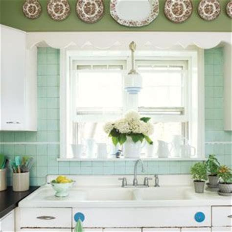 a 1940 s retro theme for your kitchen pin by susan rountree on pretty kitchens