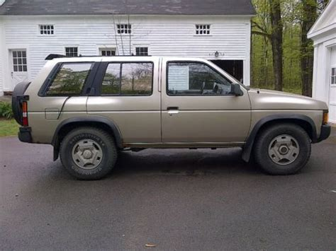 buy nissan pathfinder buy used 1995 nissan pathfinder se v6 no reserve chagne