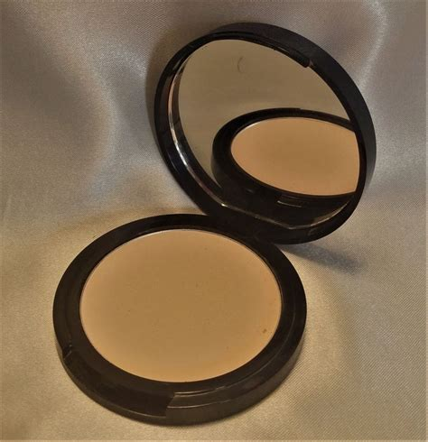 Nyx Blotting Powder nyx blotting powder muabs buy and sell makeup
