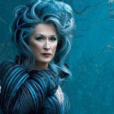 Film Blue Woods | escape into the woods streep blunt corden wed 29 4 15