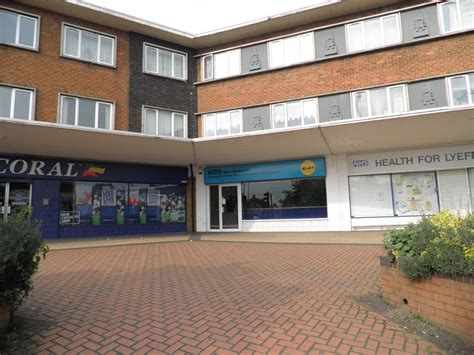 rooms to rent in stourbridge shop to rent in 3 high lye stourbridge dy9 dy9