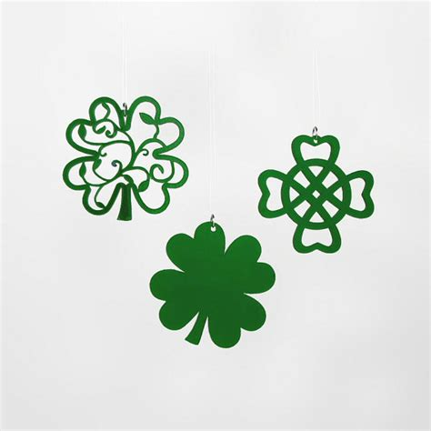 5 green shamrock celtic decorations with gift box