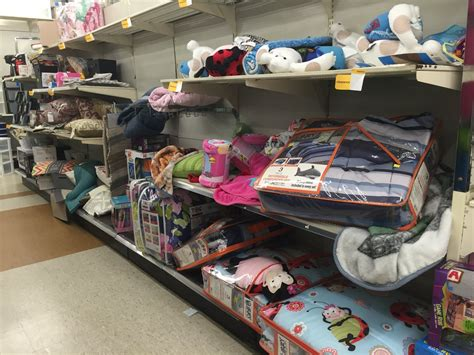 kmart fans on sale sears ceo says kmart isn t shutting down business insider