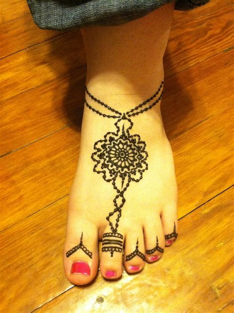 henna tattoo designs anklet henna on the foot with toe ring henna