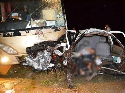 maut kemalangan kereta badan perniaga sate terputus dua