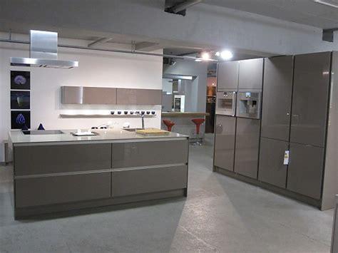 Landhausküchen Abverkauf by Modernes Wohnzimmer Beige