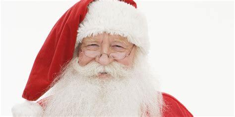 santas north pole christmas  gift show raises money  wounded veterans