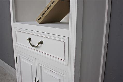 weißer holz kleiderschrank wohnzimmer als bar einrichten