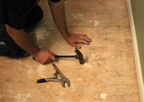 How To Remove Ceramic Tile From Concrete Floor by How To Remove A Tile Floor How Tos Diy