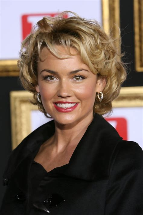 to days hair styles for 53 year old women kelly carlson photos photos tv guide s 5th annual emmy