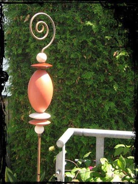 Stelen Garten by Keramik Stelen F 252 R Den Garten Suche Keramik Totems