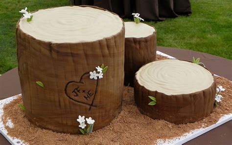 The Ultimate Rustic Log Wedding Cake ? Candy Cake Weddings