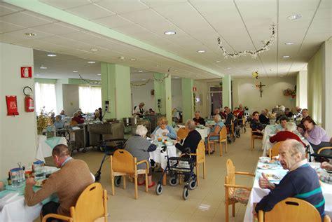 di riposo violenze sugli anziani in una casa di riposo a nepi