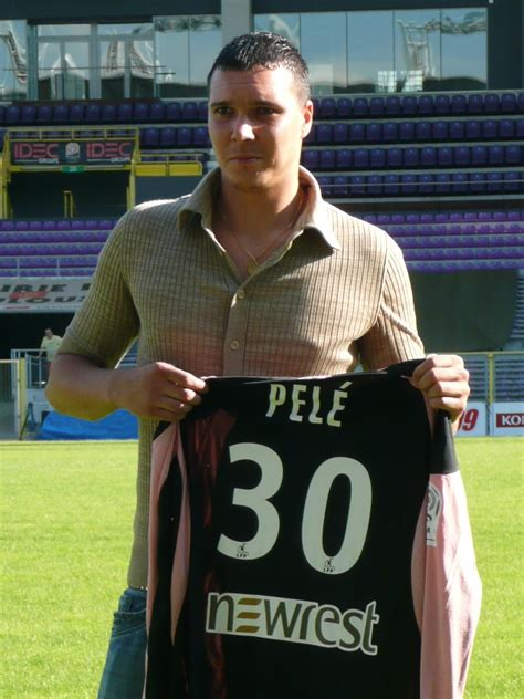 biography of pele in spanish yohann pel 233 wikidata