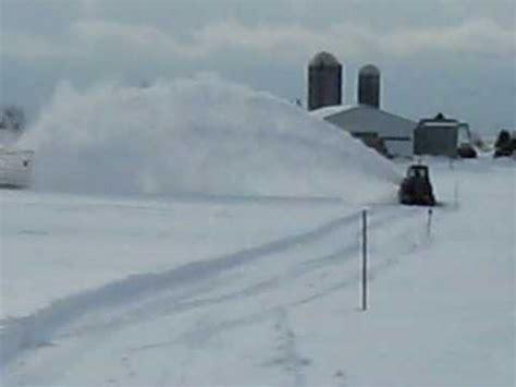 lucknow snowblower on a 986 international tractor 2 vehicule 2 playlist