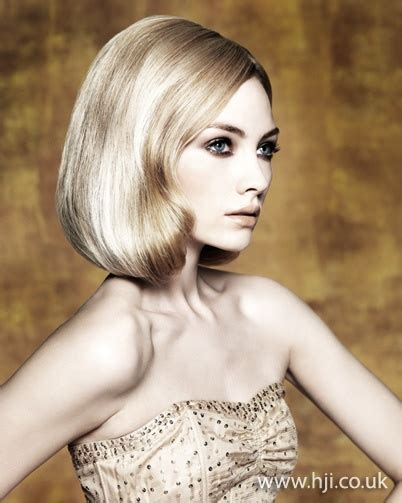 curly haircuts vancouver 10 best images about glamorous bob hairstyles on pinterest