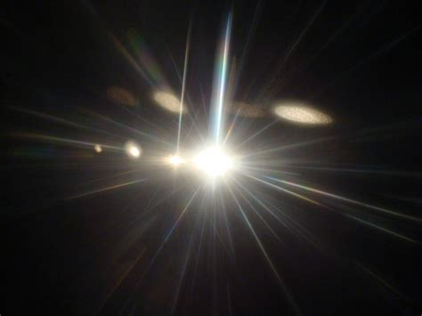 Of Light by Light Beams Can Create Lift