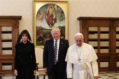 donald trump istri beda dengan di saudi istri trump pilih kenakan kerudung