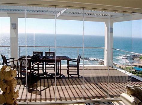 chiudere veranda a vetri chiusura terrazzo con vetrate