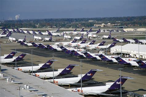 fedex earnings fall due to weakness in air freight