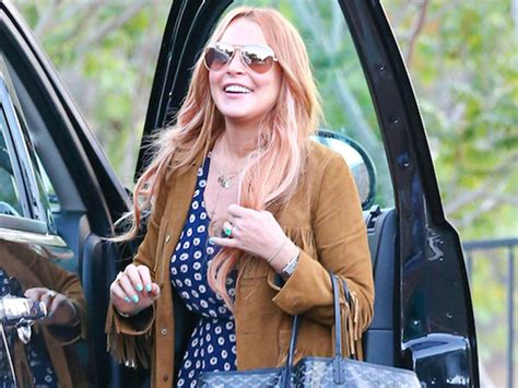 Lindsay Lohan Is Staying In Rehab by Lindsay Lohan Released From Rehab After 3 Months Today