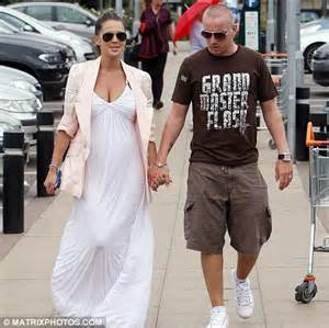 Maxi Hara Pink new danielle lloyd is pretty in pink as she steps