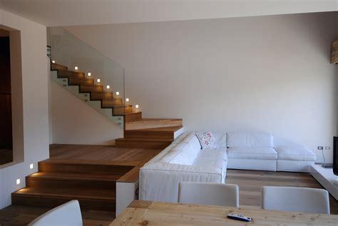 wandbeleuchtung treppe faltwerk klassisch holztreppen siller treppen