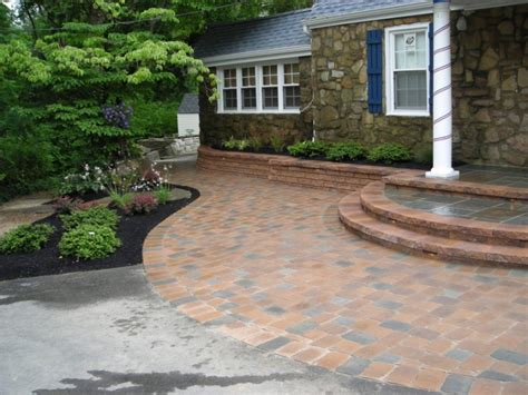 nice walkway design for beautiful house entrance with