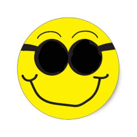 Smiley Mit Sonnenbrille Aufkleber by Smileys Aufkleber Zazzle De