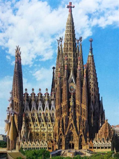 BARCELONA: SAGRADA FAMILIA ~ Beautiful places of Barcelona