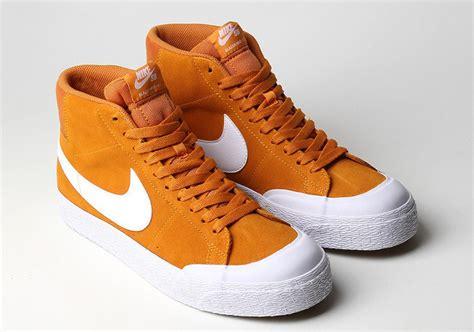 Sepatu Sneakers Nike Sb Blazer 05 nike sb blazer mid xt circuit orange 876872 819 sneakernews