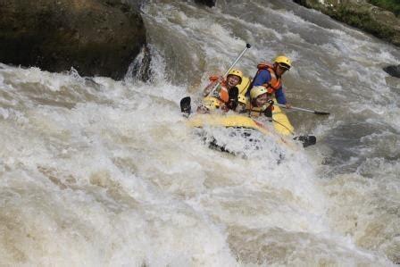 Perahu Karet Untuk 2 Orang Sama Dayung 2 Dipakai Didanauwisata Air raftingarungjerambogor rafting bogor