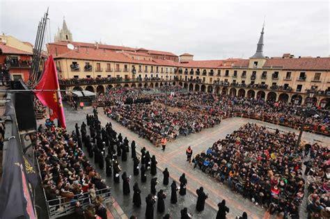 viernes santo catholic el lugar de encuentro de 1 800 personas podr 225 n ver sentadas el encuentro en la